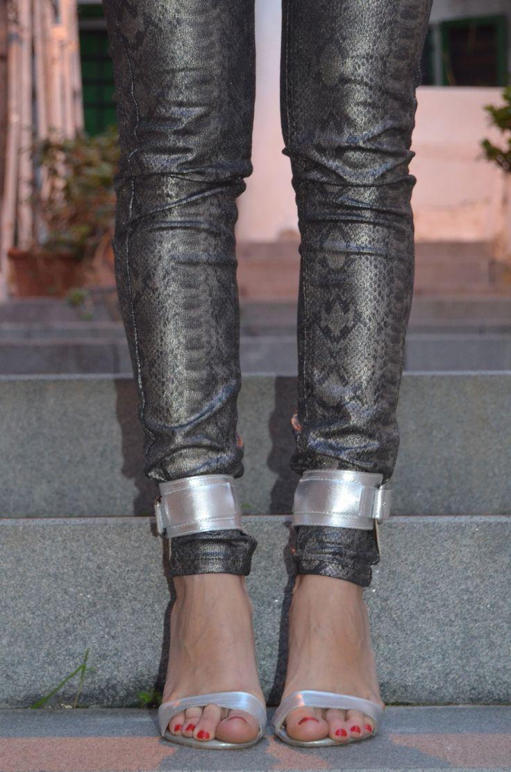Heels on. http://www.ibizachiccomplements.com/