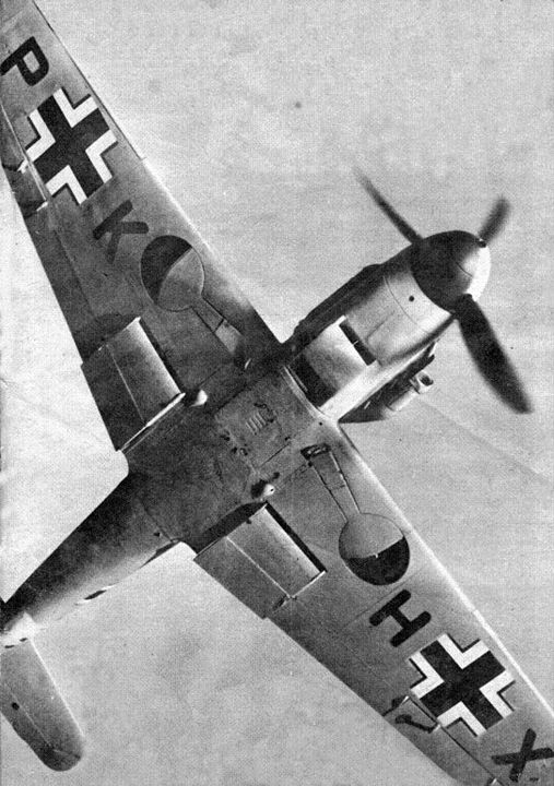 An Me-109 from below.                                                                                                                                                                                 Mehr