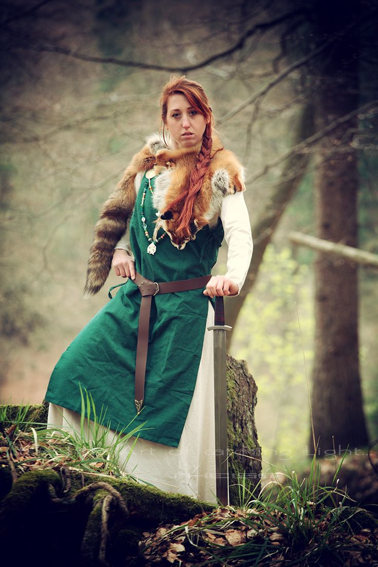 """Norse/German/ Mythology Projekt """"The Shieldmaiden"""" 💃Ⓜ️ 👠 > Alice 📸 > """"the fine Art of catching Light"""" by Pit Theiss Special Thanks to Burgschneider #thefineartofcatchinglight #pittheissphotography #photopoetry #storytelling #fineartphotography #portraitphotography #medieval #germanmythology #mythology #fantasy #vikingstyle #nordic #asatru #history #vikinglife #vikings #norce #norcemythology #shieldmaiden #pagan #veturinnnálgast #burgschneider"""