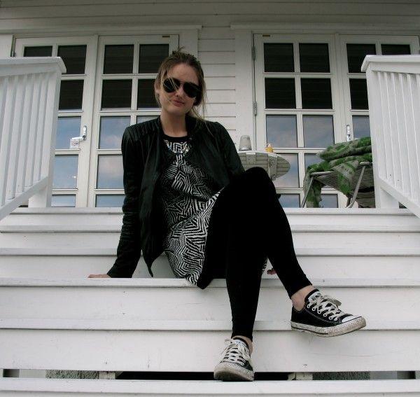 Forever 21 dress, BLACK AND WHITE!   http://stylescandinavia.com/