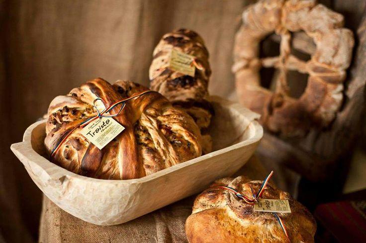 Pasiunea, dragostea cu care vorbeste despre paine 'se ia'.  Mai jos gasiti interviul cu Matei Florin de la Mora Veche.
