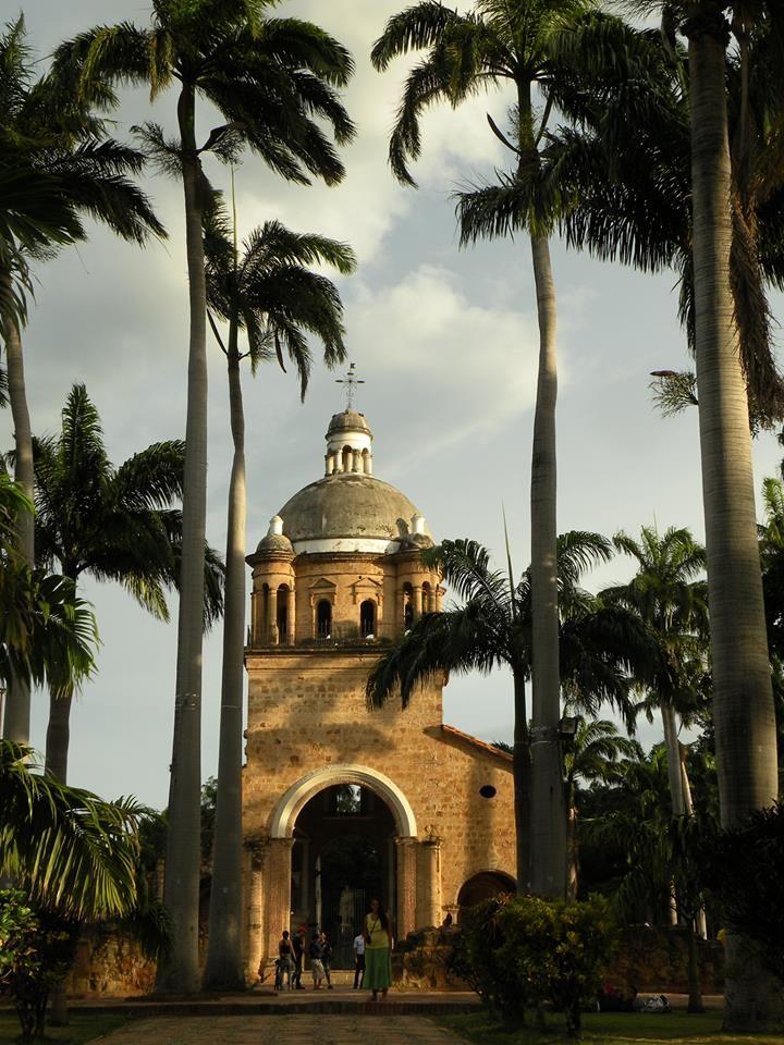 Iglesia de San Antonio, Cucuta, Colombia #soloprivilegios comparte para ti…