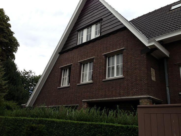 Gent - meerdere woning met ongelijke daklijnen