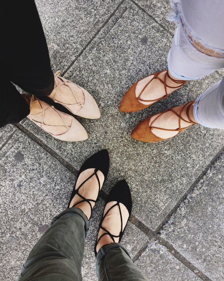 These adorable flats almost look like ballerina shoes.