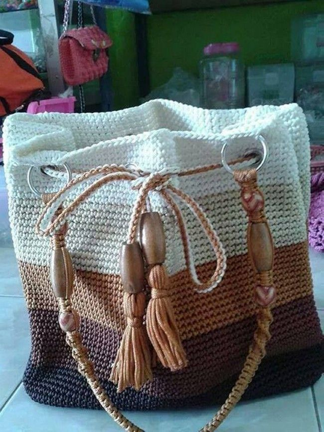Free Crochet Bag Patterns ༺✿Teresa Restegui http://www.pinterest.com/teretegui/✿༻