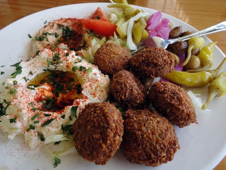 Ramzi and Ustadhah Zainab talk Hummus, Fool, Falafel, Mana'eesh. A guide to fast food in the Arab world.    Mmm...Falafel