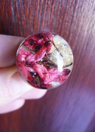 Kup mój przedmiot na #vintedpl http://www.vinted.pl/akcesoria/bizuteria/13592248-pierscionek-z-prawdziwymi-kwiatami-w-zywicy