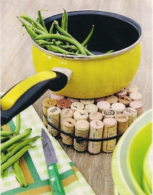 Coisas de Fazer: Reciclar rolhas :: Recycling cork ~ don't throw that cork out - use it