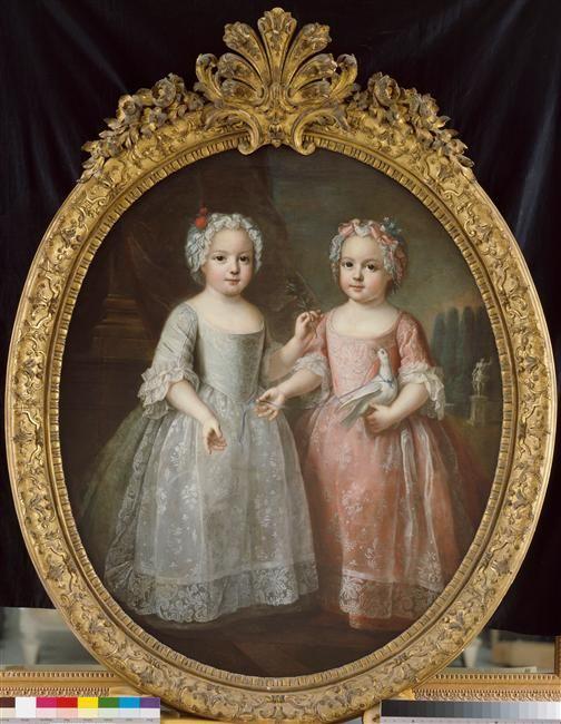 Louise Elisabeth de France (future duchesse de Parme) (1727-1759), représentée tenant un rameau d'Olivier et de sa soeur jumelle Henriette de France (1727-1752) tenant une colombe, filles aînées de Louis XVAuteur : Pierre Gobert (1662-1744) (attribué à)