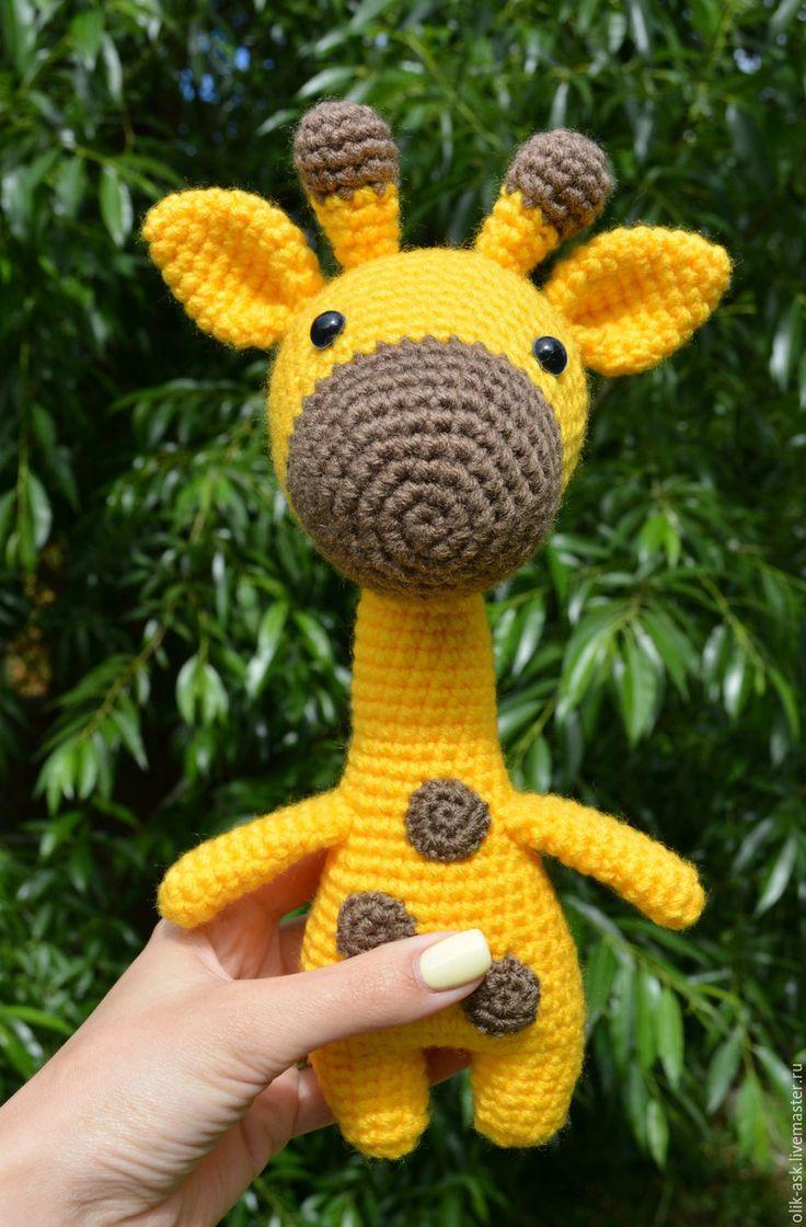 Вязаный жираф крючком амигуруми