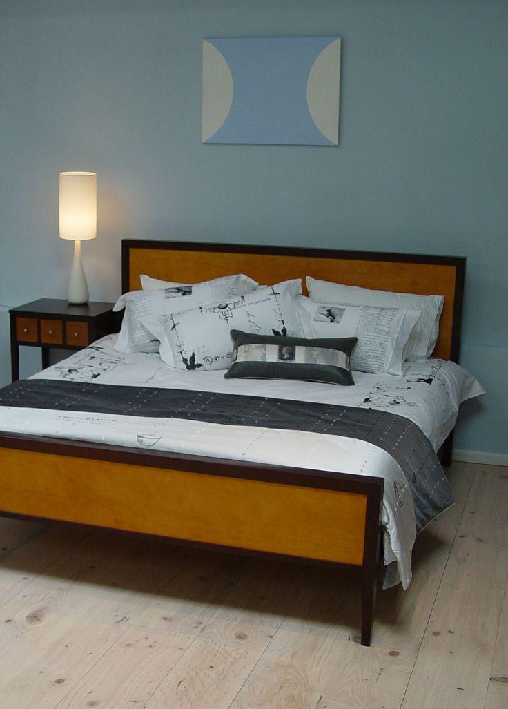 Newport Bed dark light finish