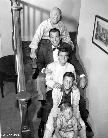 William Frawley, Fred MacMurray, Tim Considine, Don Grady, Stanley Livingston in My Three Sons