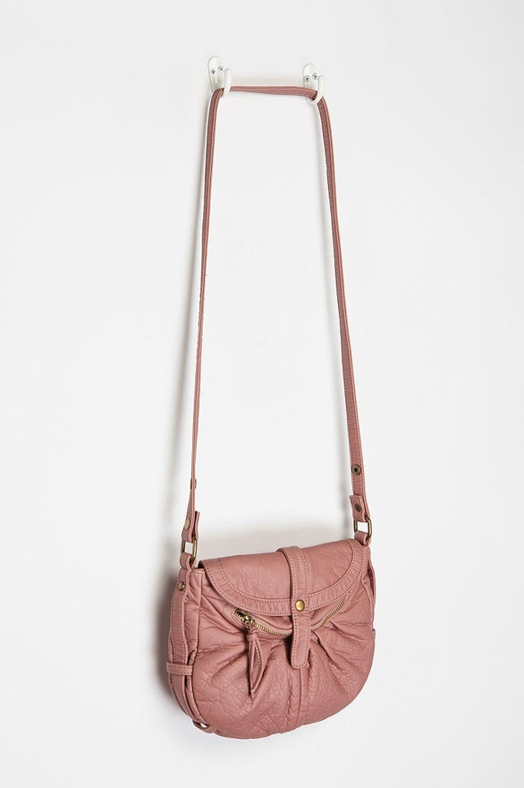 I love pink purses