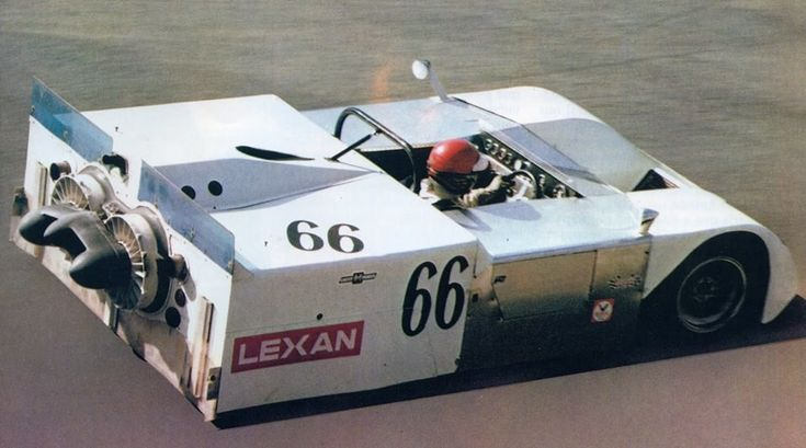 Chaparral 2J Can-Am 1970 Vic Elford - weird development in a great sports. But it was worth the idea.