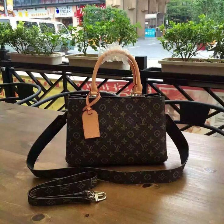 Louis Vuitton51333  94USD