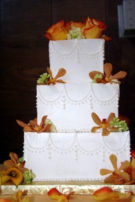 True confections wedding cakes