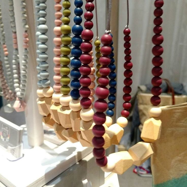 Spending some me time at the Spring One Of A Kind Show in Toronto today and I discovered a fabulous all-Canadian line of modern teething jewellery from @finityhandmade...gorgeous!! LP . . . #MomBoss #ooak #handmade #mamamade #buylocal #supportlocal #momlife #shoppibg #accessories