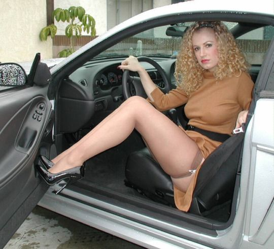 Find Top Pantyhose And