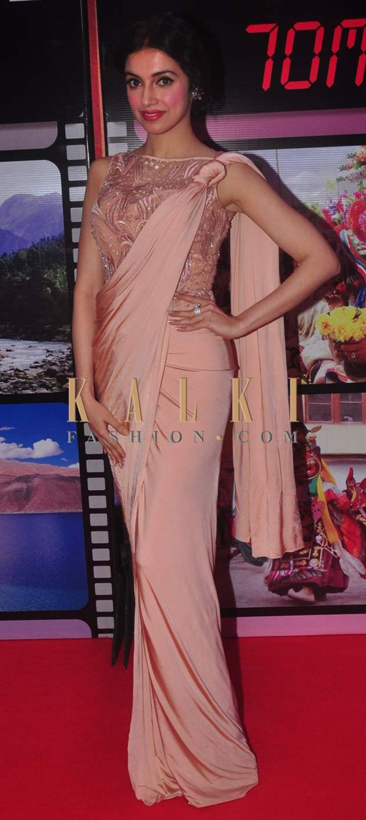 Atractivo Vestirse Para La Fiesta Del Tema De Bollywood Fotos ...