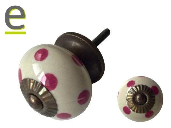 https://easy-online.it/shop/pomelli/pomelli-per-armadi-dck-66/  Pomello di ceramica, modello DCK-66. Pomelli di ceramica bianchi, con decorazione a pois di colore rosa/fuscsia.