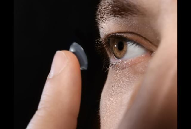 These Smart Contact Lenses Could Painlessly Monitor Diabetes