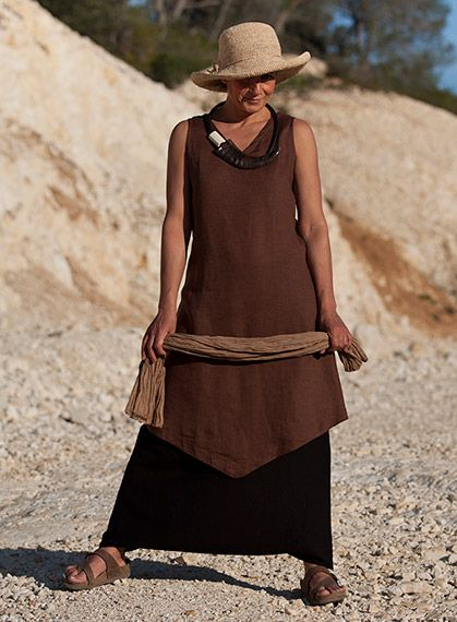 Chocolate brown flax linen 'Losange' tunic and black mixed linen sarouel-skirt