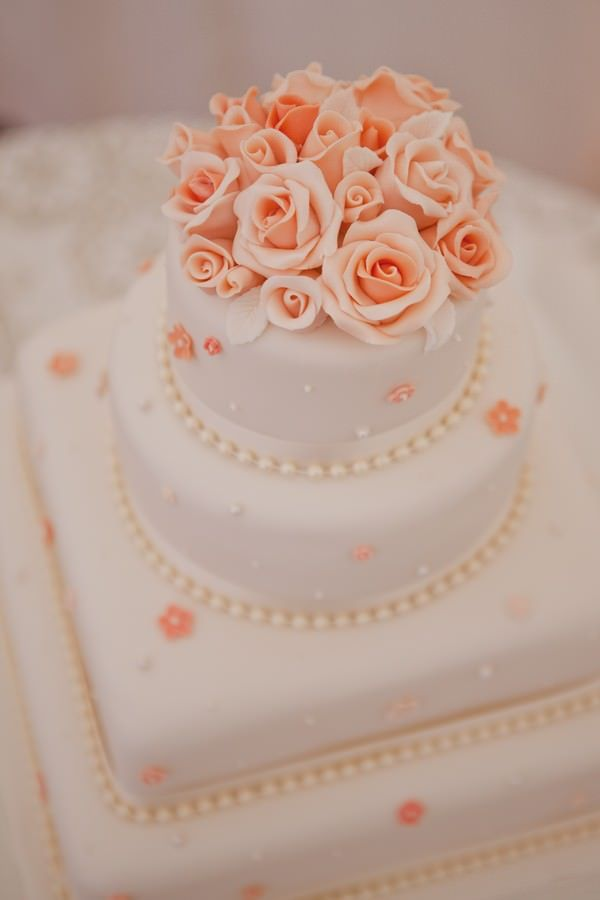 25 Best Ideas About Peach Wedding Cakes On Pinterest Gold Big Wedding Cake
