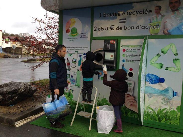 En Bretagne les premiers collecteurs de bouteilles en plastique sont lancés afin d'encourager le recyclage pour les particuliers. Cancres européens du recyclage En termes de recyclage, la France est très en retard. Nous le savons, trop de personnes ne font toujours pas la différence entre la poubelle verte et la poubelle jaune, des dizaines de …