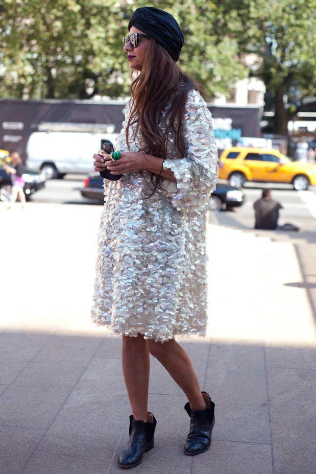 23 streetstyle-образа с пайетками   Мода   STREETSTYLE   VOGUE