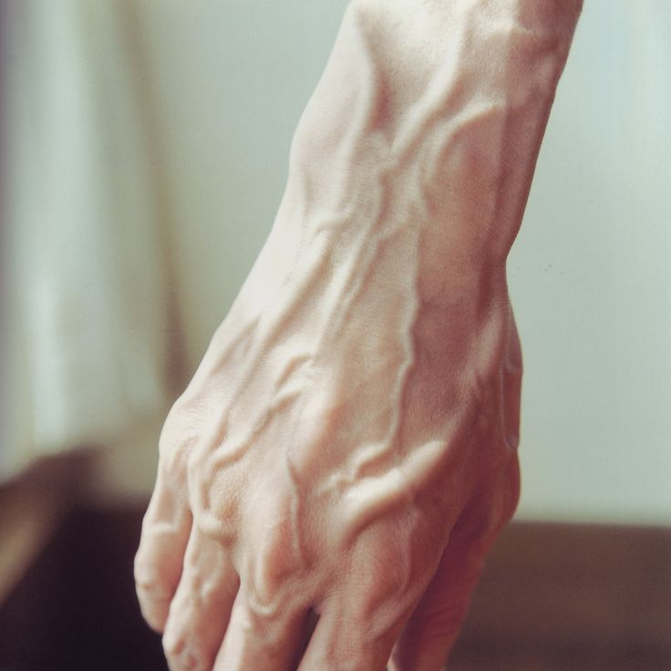"""RINKO KAWAUCHI// Untitled, from the series """"Utatane"""" (うたたね), 2001. I really love the detail of this image! once again Kawauchi has used light to create shadows on the hand, giving this image a lot of depth."""