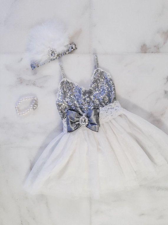 Vestido de lentejuelas de plata de la por DelicateAndSpecial