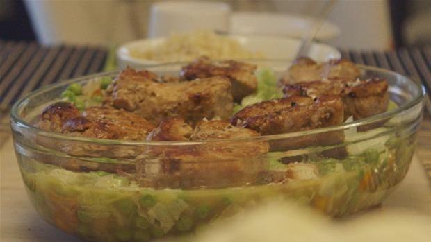 Svinemørbrad med ærter française og cous cous