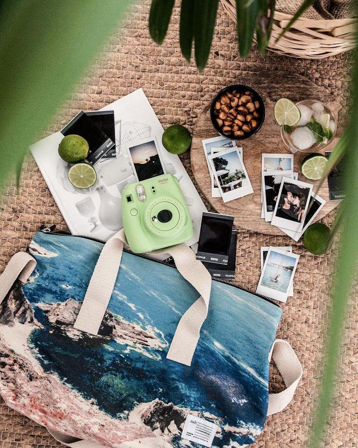 Os gustaría ganar una cámara Fujifilm Instax tan chula cómo ésta para vuestras vacaciones? 📸 Pues no os perdáis el sorteo que ha puesto en marcha @ccbonaire. Para participar, sólo tenéis que cumplir estos requisitos:  1️⃣ Seguir a @ccbonaire en IG 2️⃣ Dar like a la foto de la misma cámara que veréis en su perfil. 3️⃣ Dejar un comentario en esa misma foto (no en ésta!) mencionando a 3 amigos e incluyendo el hashtag #InstaxBonaire.⏳ Podéis participar hasta el 4 de agosto a las 10:00h ⌛️ Mucha…