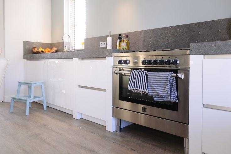 25 beste idee n over witte hoogglans keuken alleen op pinterest - Werkblad voor witte keuken ...