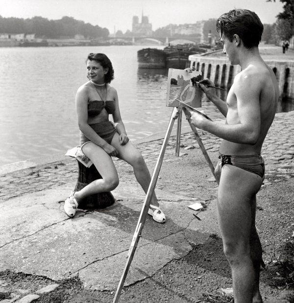 France. Painting along the Seine Paris 1950 // Robert Doisneau
