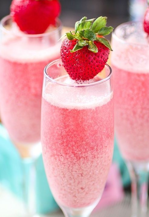 Strawberry Cream Mimosas - Bubbly sparkling champagne with refreshing raspberry and strawberry frozen cream! Perfect for brunch and special events!