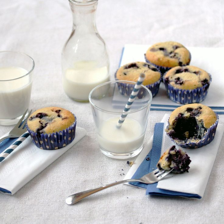 Low-Carb Blueberry Muffins (grain-free, nut-free)  | Low-Carb, So Simple! // 3 extra large organic eggs 1/4 cup = 60 ml organic heavy cream 1/3 cup = 80 ml = 70 g erythritol crystals 5 tablespoons = 75 ml = 37 g organic coconut flour 1/2 cup = 120 ml frozen organic blueberries