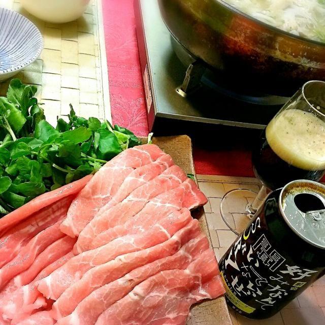 豚肉とクレソンって相性最高よね♪ - 14件のもぐもぐ - 琉球ロイヤルポークと沖縄クレソンで塩麹鍋~。 by ふぃるまめんと