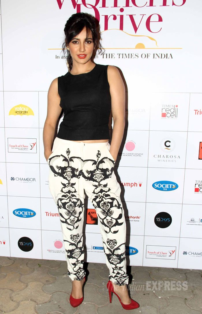 Neha Sharma looks chic in a monochrome Payal Singhal outfit at the Lavasa Women's Drive 2014 awards. #Style #Bollywood #Fashion #Beauty