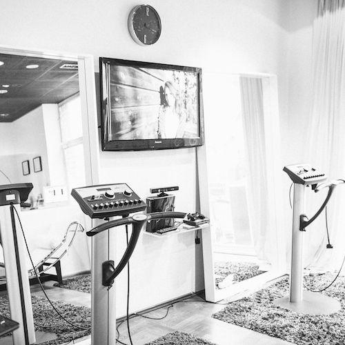 Ce face un antrenor Speedfitness? Ce rol are mai exact? Ce face zi de zi? Am urmărit o zi întreagă pe Adri, antrenoarea și managerul studioului Speedfitness Centrum ca să vedem din spatele culiselor cum decurge ziua de lucru a unei persoane harnice.