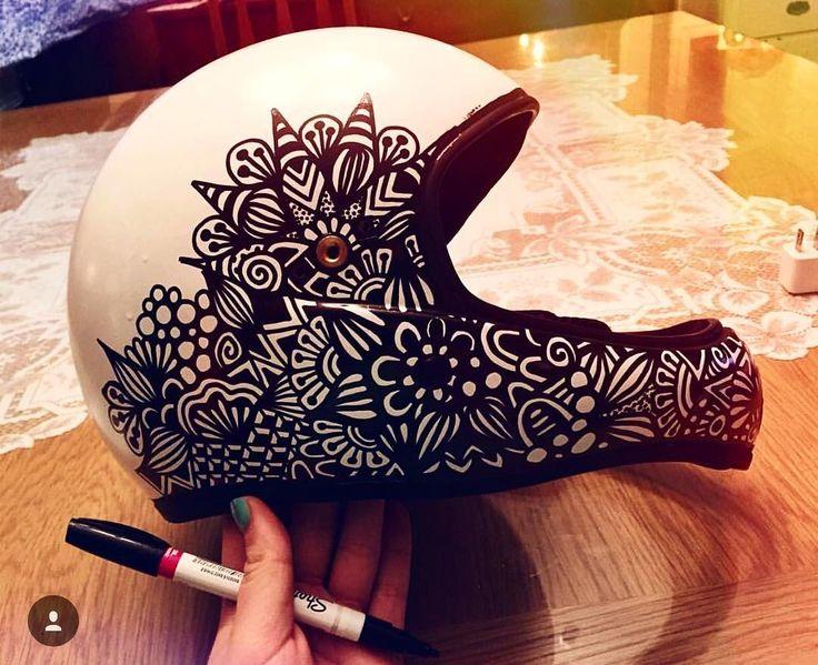 Hand painted helmet by @blynnxoxo #abstract #illustrator #illustration #blackwhite #helmet #sharpie #design #art #artistic #instapic #instacool #instalike #instamood #love #like4like #instashot #instashot