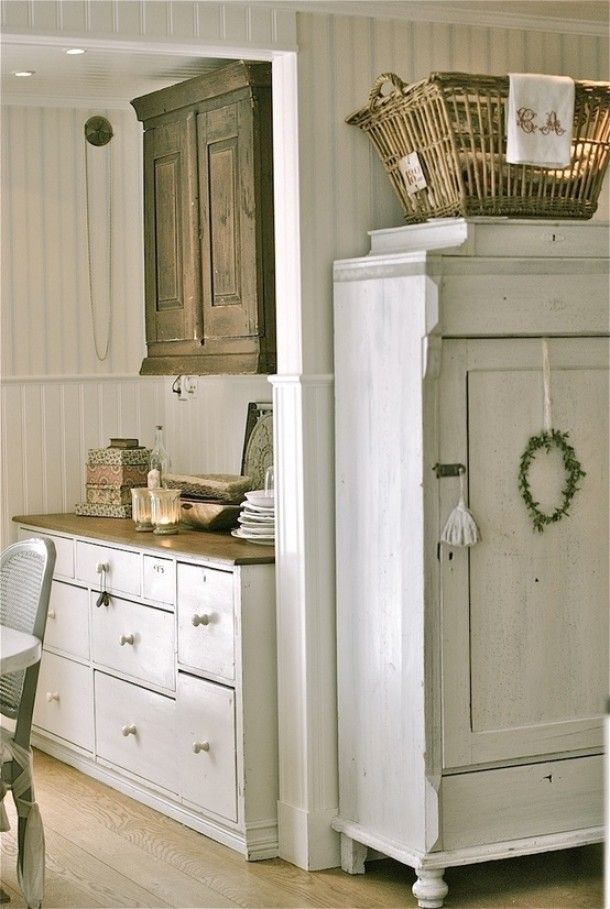 Landelijk antiek en brocante | Vergelijkbare brocante kasten en dressoirs in landelijke stijl bij www. Door Syl