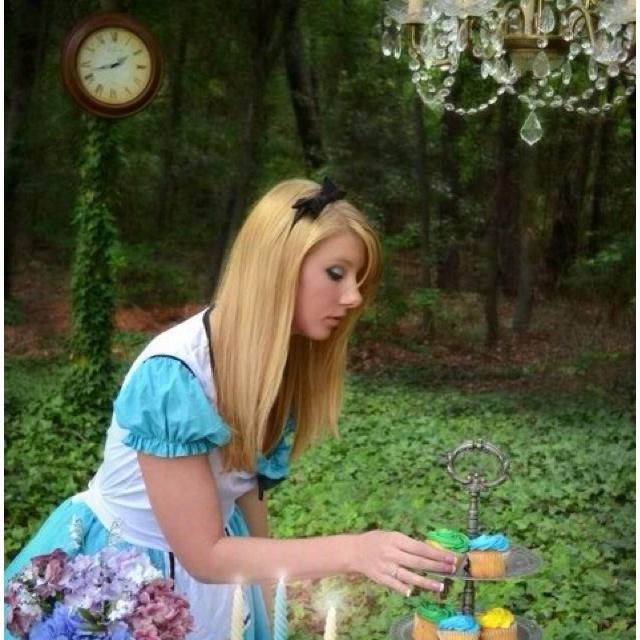 alice in wonderland | tea party | themed photoshoot |