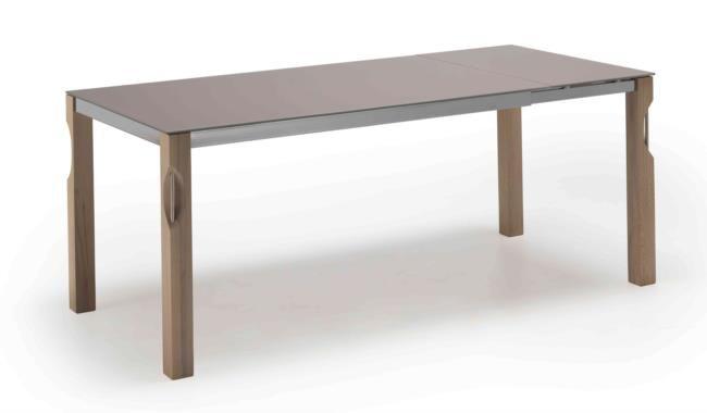 Tavolo in legno, metallo e vetro