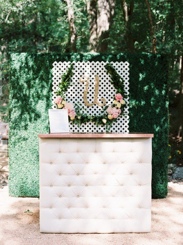 Modern wedding bar - outdoor bar with greenery details {Pearl Events Austin}