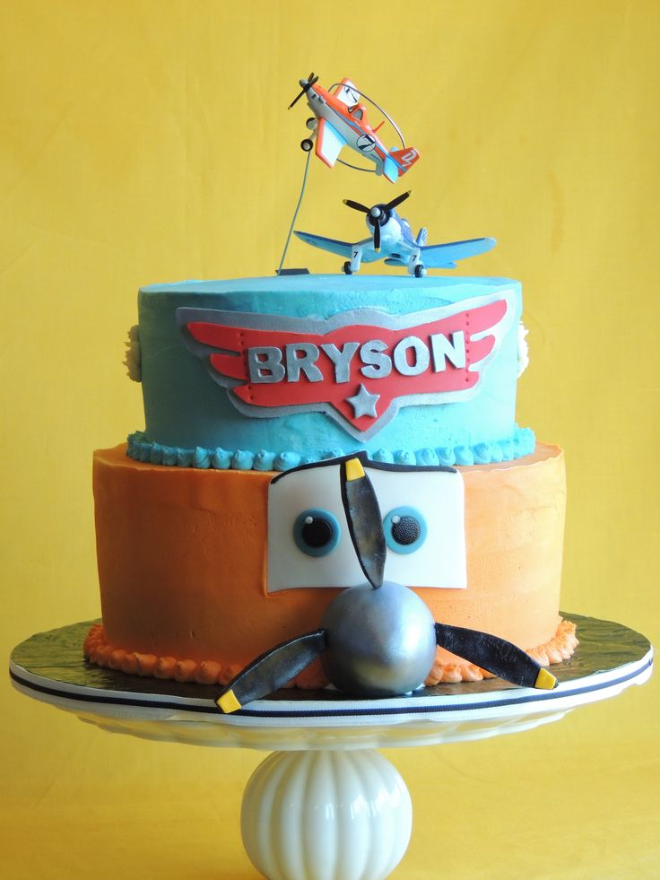 Disney Planes Cake.  By: Cutie Pie Cakes and Desserts