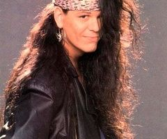 Bobby Dall (November 2, 1963) American bassist, o.a. known from the band Poison.