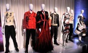 Η αισθητική του punk γιορτάζει και γιορτάζεται στο Metropolitan Museum of Art της Νέας Υόρκης.