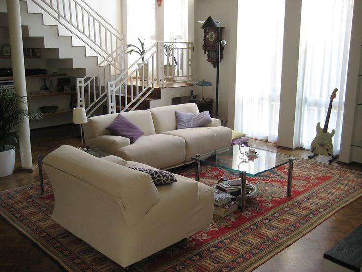 Restauro per nostro cliente, divano CASSINA modello FIANDRA disegnato da Vico Magistretti nel 1975. Rivestimento in tessuto misto lino Chivasso Restauro realizzato per nostro cliente di Wachtberg-Germania.  www.scandaletti.it/