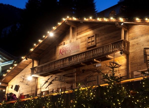 Käfer Alm, Ischgl. New Apres-ski hotspot! http://ludwigs.nl/14-great-things-to-do-in-ischgl-during-closing-weekend/